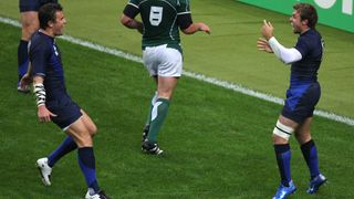 Player Tracking: Vincent Clerc latches onto Michalak's great kick