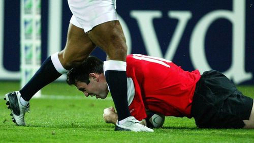 Wales Best Bits: Stephen Jones scores great try for Wales v England at RWC 2003