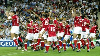 Tonga Best Bits: Amazing Sipi Tau at Rugby World Cup 2003