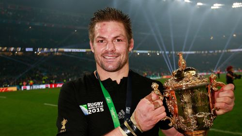 Richie McCaw with Webb Ellis Cup copy