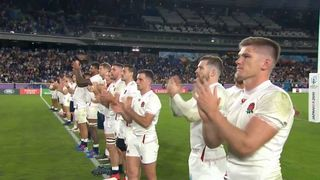 England players thank the fans after beating New Zealand