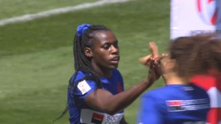 France score brilliant try from a cross-field kick