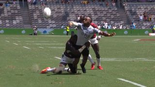 Brilliant Fiji try with epic offload at Sydney Sevens