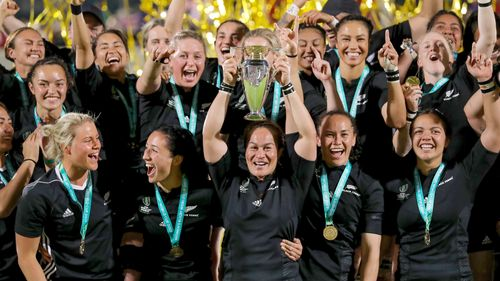 RWC 2017 Fiao'o Faamausili lifts the Rugby World Cup