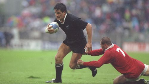 Photo of Zinzan Brooke playing against Canada at Rugby World Cup 1991