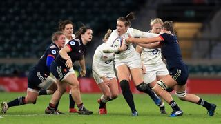 Emily Scarratt breaks French line