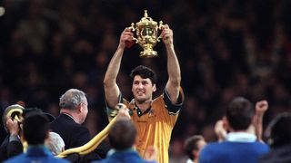 John Eales trophy lift at RWC 1999