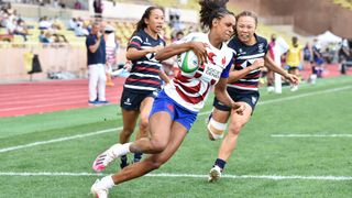 Photo of France's Anne-Cécile Ciofani running with the ball during the World Rugby Sevens Olympic Repechage tournament