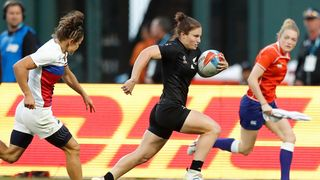 Photo of New Zealand's Michaela Blyde running with the ball during Rugby World Cup Sevens 2018