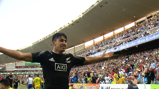 RE:Live - New Zealand leave it late to win Sydney 7s title!